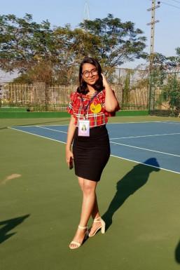 Suhani Jha - Model in  | www.dazzlerr.com