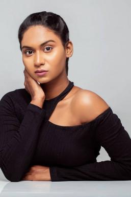 Clara Anthoneth - Model in Bangalore   www.dazzlerr.com