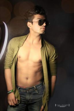 ASIF KHAN - Model in Lucknow   www.dazzlerr.com