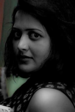 Dazzlerr - Madhavi Sharma Model Delhi