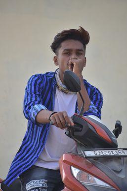 Dazzlerr - Hardik Vaghela Model Bhuj