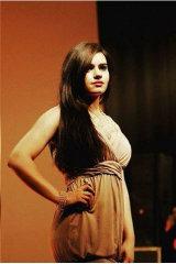 Dazzlerr - Alice Model Delhi