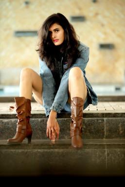 Riya Jain - Model in Indore   www.dazzlerr.com