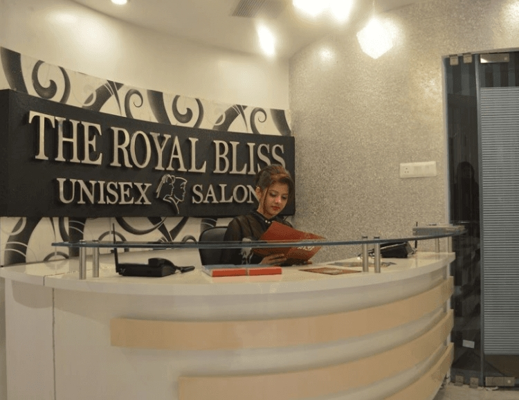 Dazzlerr - The Royal Bliss Beauty And Health Studio